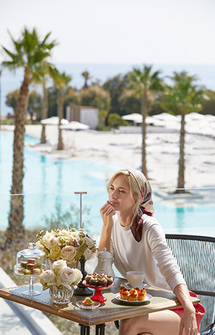 09-dining-by-the-pool-luxme-rhodos
