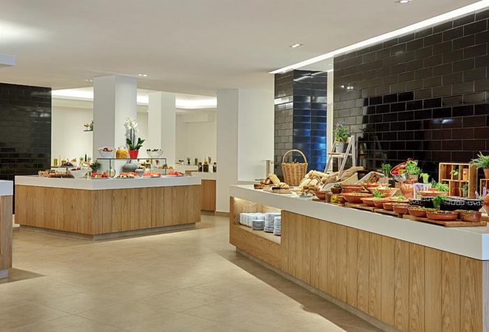 03-lux-me-rhodos-helios-main-restaurant